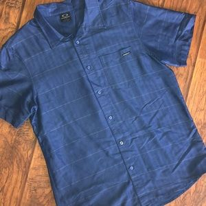 Oakley button up shirt - L